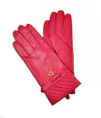 Женские кожаные перчатки Guess декорированы подвеской цвета фуксии