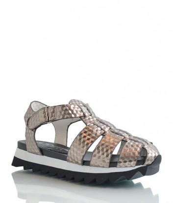 Кожаные сандалии Logan с ламинированным эффектом серые