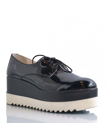 Женские лаковые туфли на высокой танкетке черные
