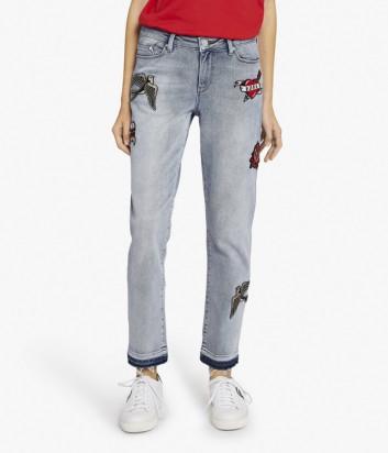 Джинсы Karl Lagerfeld KARL CAPITANO с аппликацией голубые