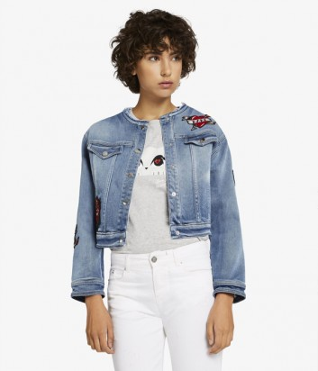 Джинсовая курточка Karl Lagerfeld с яркими нашивками голубая