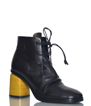 Черные кожаные ботильоны Halmanera Mummy на желтом каблуке