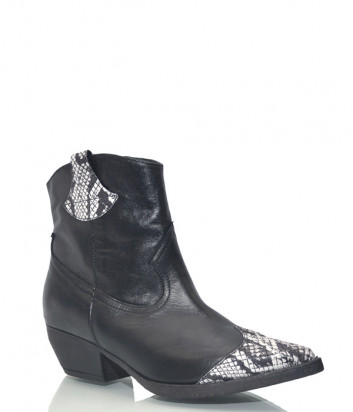 Кожаные казаки Tosca Blu S224 черные со вставками под рептилию