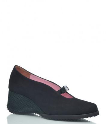 Замшевые туфли Conni 232 на танкетке черные