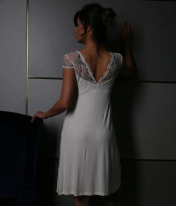 Ночная рубашка EFFETTO 10102C декорирована кружевом