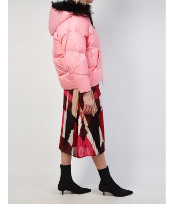 Розовый пуховик ERMANNO ERMANNO SCERVINO 47T PN01 VIN с черным мехом на капюшоне