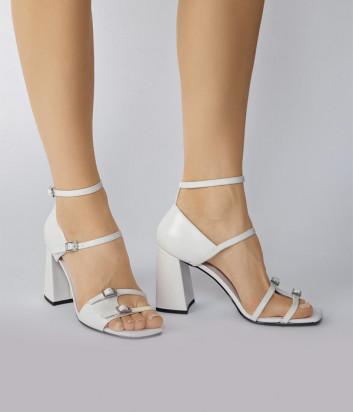 Кожаные босоножки WHAT FOR Mal на широком каблуке белые