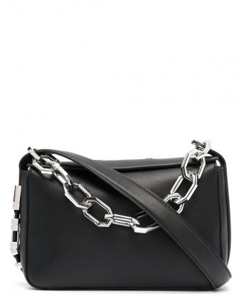 Кожаная сумка KARL LAGERFELD 211W3024 декорирована цепью и буквами черная