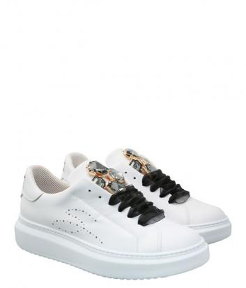 Кожаные кроссовки TOSCA BLU Agata SS2101S007 белые с декором