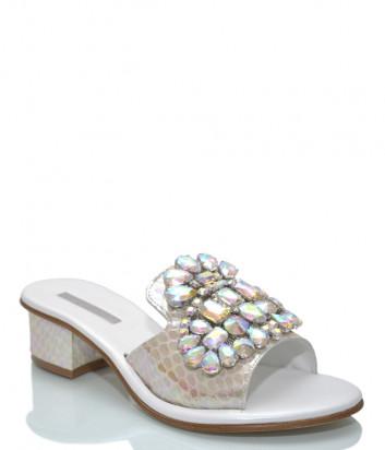 Белые кожаные шлепанцы PAOLA FIORENZA с перламутровыми кристаллами