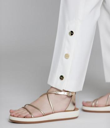 Белые брюки ICEBERG B0615A74 с золотыми пуговицами