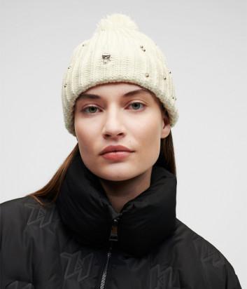 Женская шапка KARL LAGERFELD Ikonik 216W3411 со значком белая