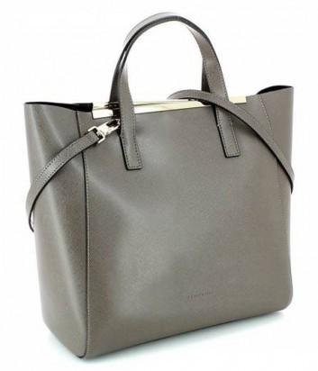 e0328ad9c0be ... Кожаная сумка Coccinelle Amy с металлической фурнитурой серая ...