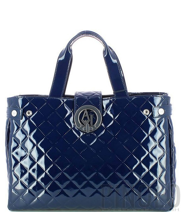 cb4c5d63fee9 Лаковая сумка Armani Jeans стеганная в ромбиках темно-синяя - купить ...