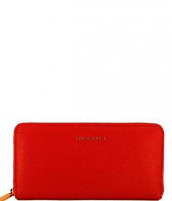 Женский кошелек Coccinelle из кожи сафьяно на молнии красный