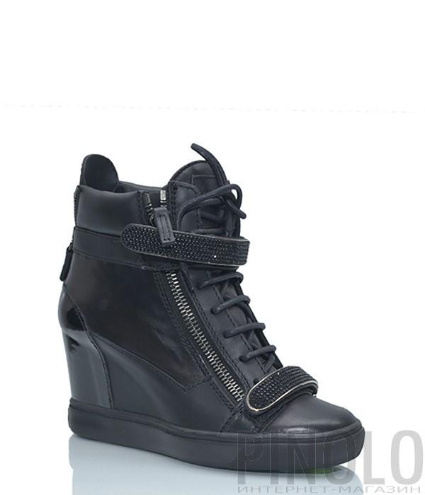 b324b46c7103 Кожаные ботинки Giuseppe Zanotti на скрытой танкетке черные - купить ...