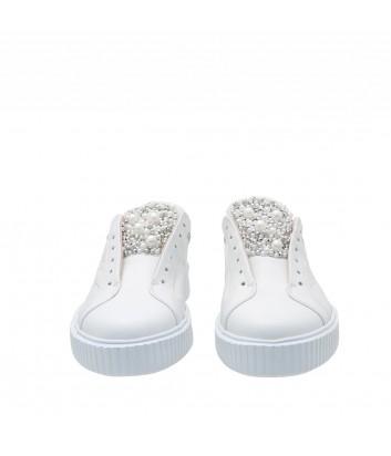 Белые кожаные кеды Tosca Blu 129 декорированные жемчужинами