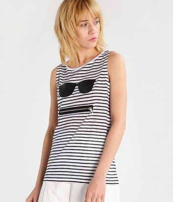 Льняная майка Karl Lagerfeld в черно-белую полоску