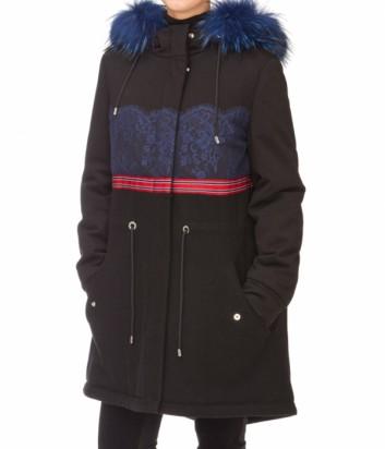 Черное пальто-парка ICEBERG приталенного силуэта с синим мехом на капюшоне