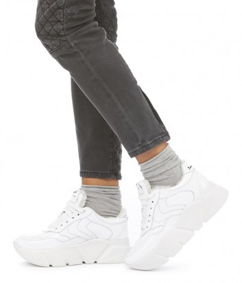 Белые кроссовки с мехом Voile Blanche Monster Fur на высокой танкетке