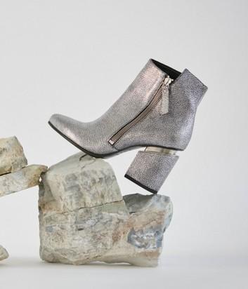 Серебряные ботильоны Vic Matie на широком каблуке из текстурной кожи