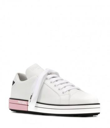 Белые кожаные кеды Prada с розовыми вставками