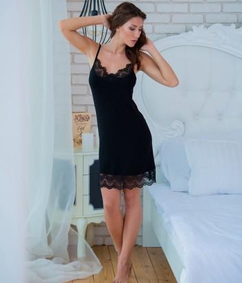 Женская ночная рубашка Effetto 0210 декорированная кружевом черная