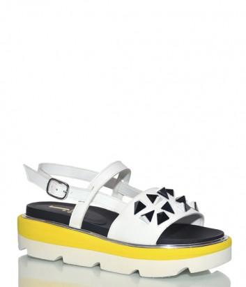 Кожаные сандалии Jeannot 39105 на танкетке белые