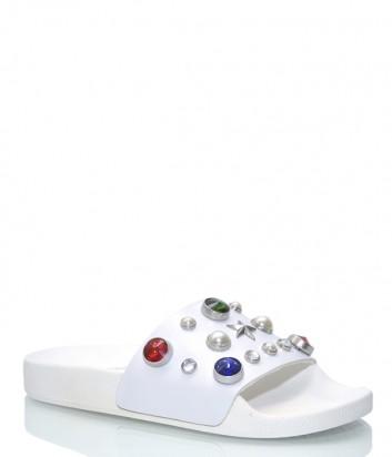 Белые шлепанцы TheWhiteBrend 184 декорированные цветными кристаллами