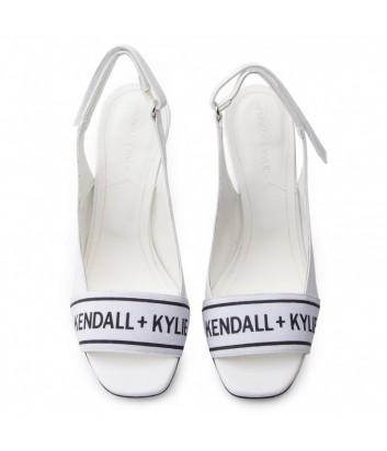 Белые кожаные босоножки Kendall+Kylie Molli с брендированной вставкой